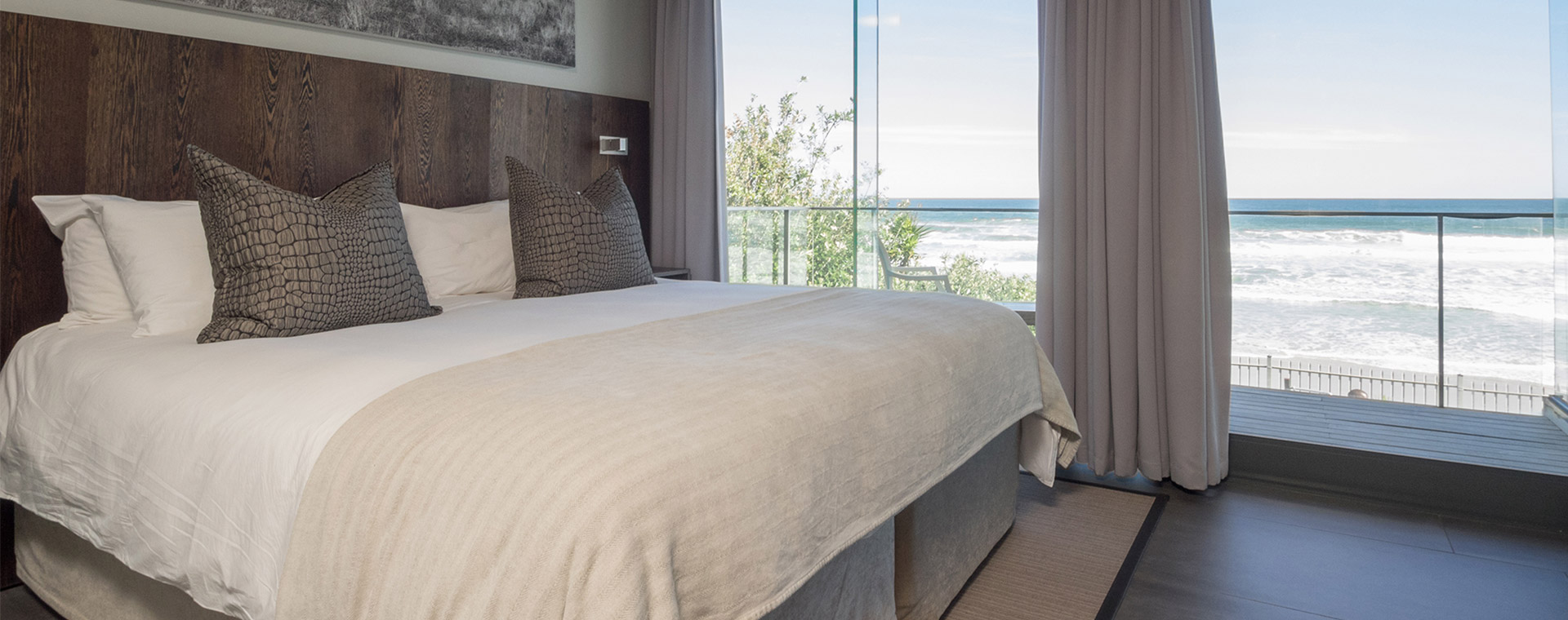 The Ocean View Guest House | Room 1 - Bed